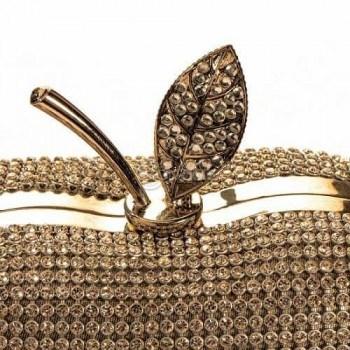 Дамска чанта в златист цвят с камъни