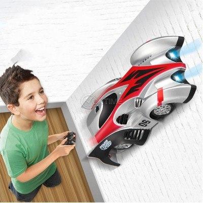Детска количка с дистанционно, движеща се по стени