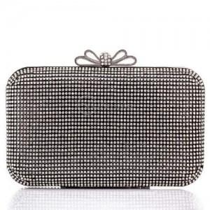 Дизайнерска черна чанта с камъни с възможност за носене през рамо