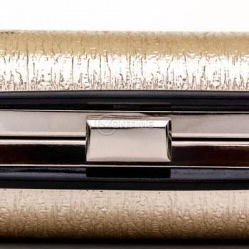 Малка чанта клъч в златисто и черно