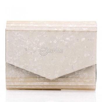 Дамска чанта тип плик в перлено бяло