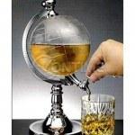 Диспенсър за вода и всякакви напитки във формата на глобус