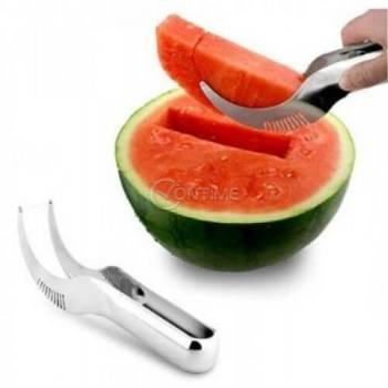 Иновативен нож за равномерно рязане и сервиране на диня