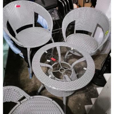 Кръгла маса ратан в бял цвят с 4 стола