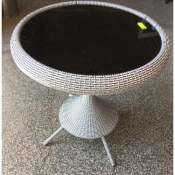 Ратанова маса за дома или градината