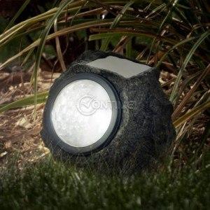 Соларна лампа за градина скала