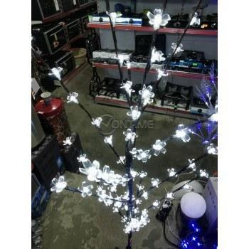 Декоративно светещо дърво с разноцветни LED светлини