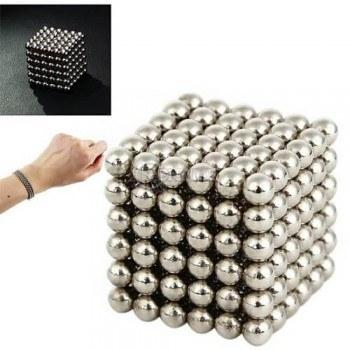 Пъзел игра с магнитни топчета