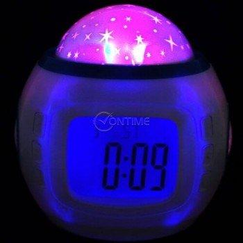 Часовник с будилник прожектира разнообразни светлини и мелодии