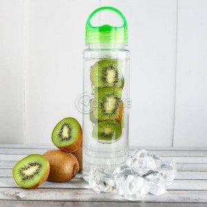 Бутилка за вода с инфузер за плодове