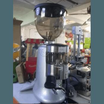 Професионална машина за мелене на кафе с дозатор
