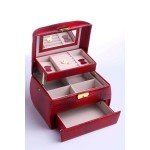 Кутия за бижута, релефна кожа, цвят бордо, B27