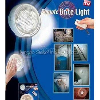 LED лампа на батерии с дистанционо управление