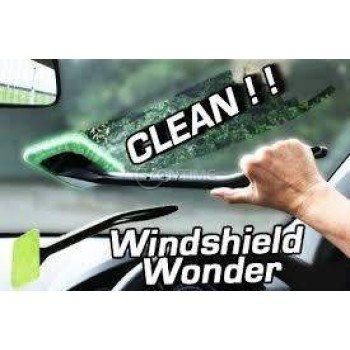 Чисти стъкла с Windshield Wonder